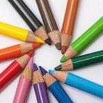 creative-desk-pens-school 900x600